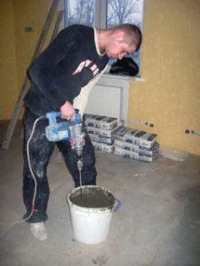 Подготовка раствора для наливного пола фото 1