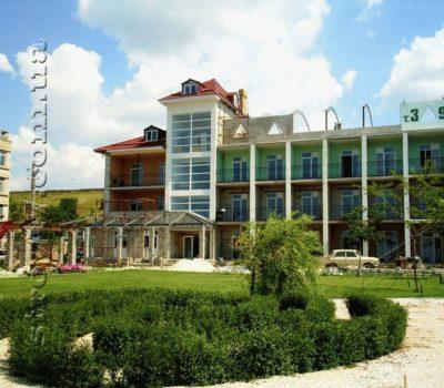 Реконструкция базы отдыха в Бердянске