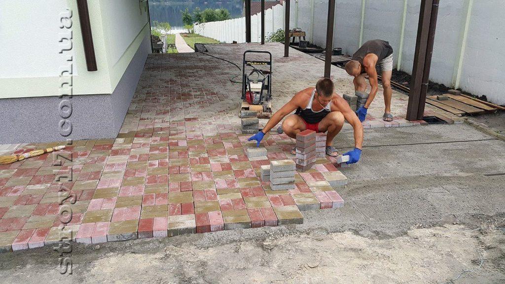 Укладка тротуарной плитки по проекту Водобуд-2 фото
