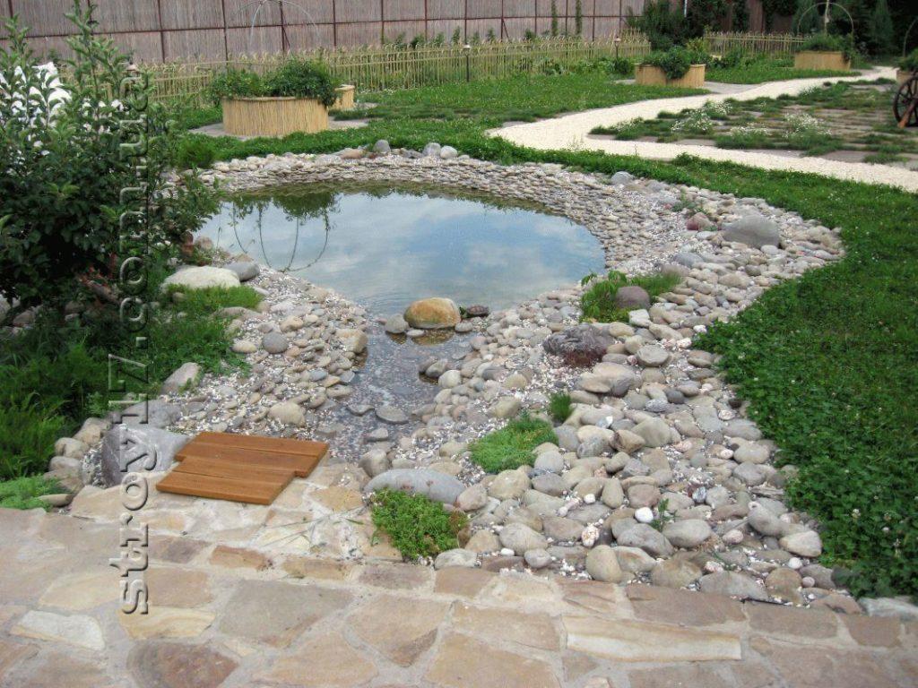 Декоративный пруд фото 3