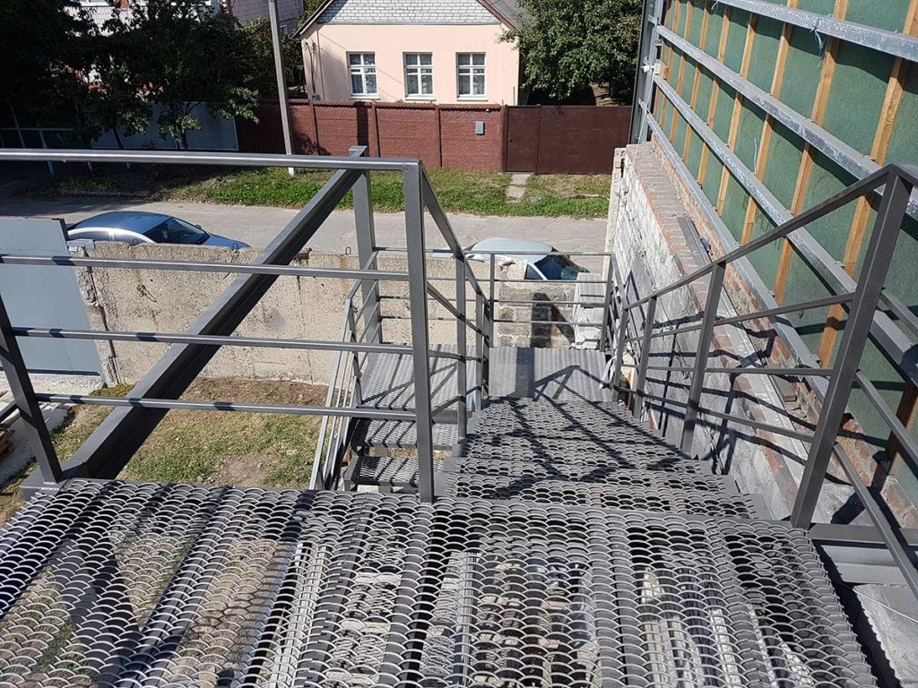 Реконструкция пожарной лестницы фото 4