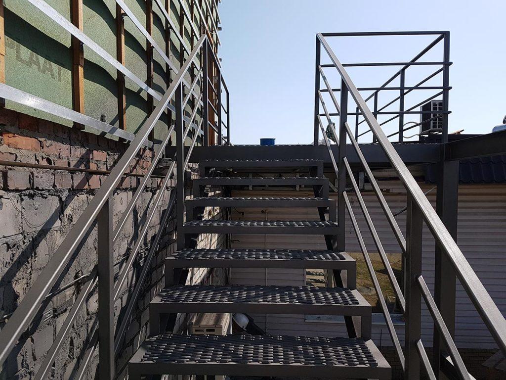 Реконструкция пожарной лестницы фото 8