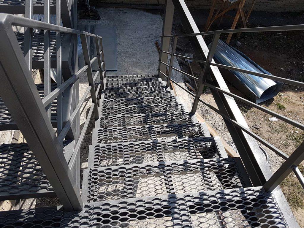 Реконструкция пожарной лестницы фото 6
