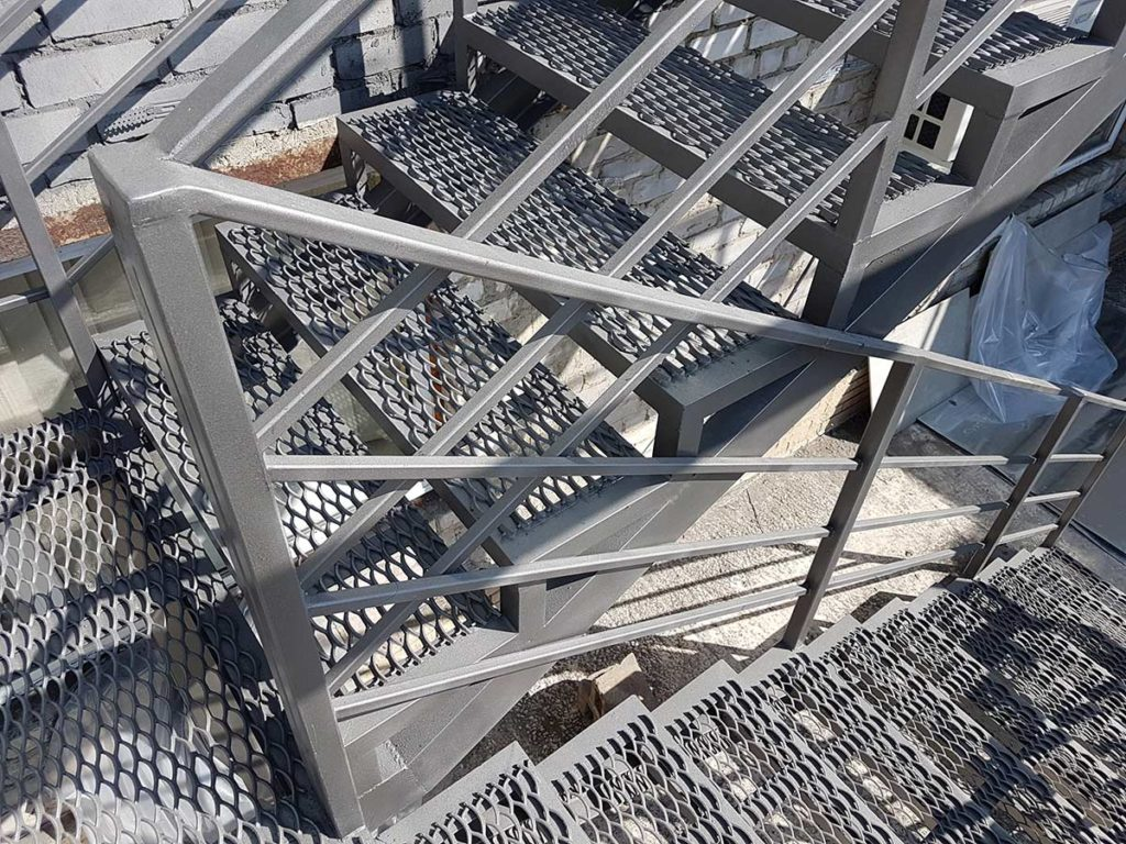 Реконструкция пожарной лестницы фото 5