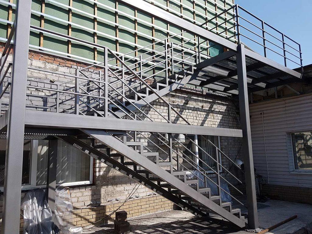 Реконструкция пожарной лестницы фото 1
