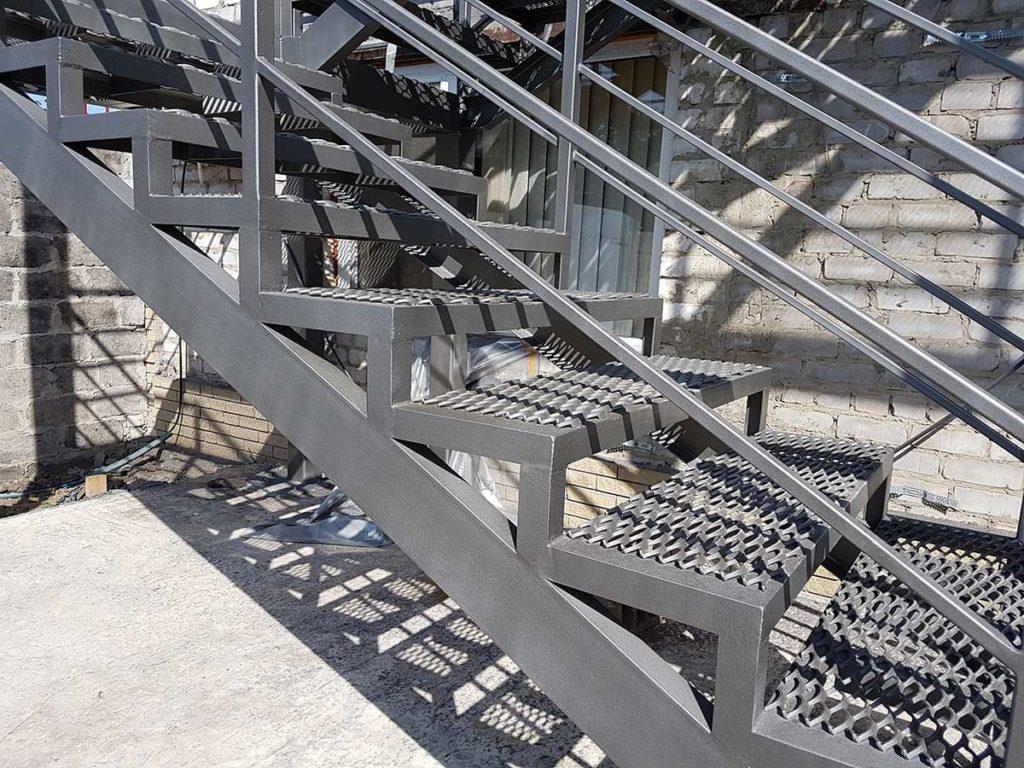 Реконструкция пожарной лестницы фото 7