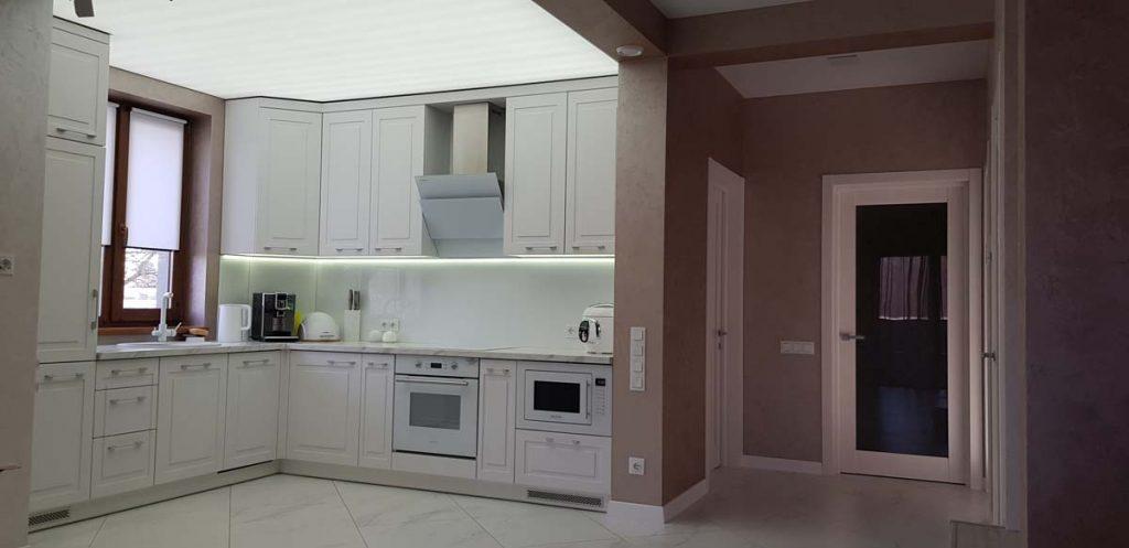 Кухня в доме из керамики фото 1