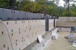 Стена из комбинированного блока фото