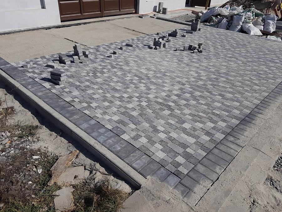 Укладка тротуарной плитки фото 2