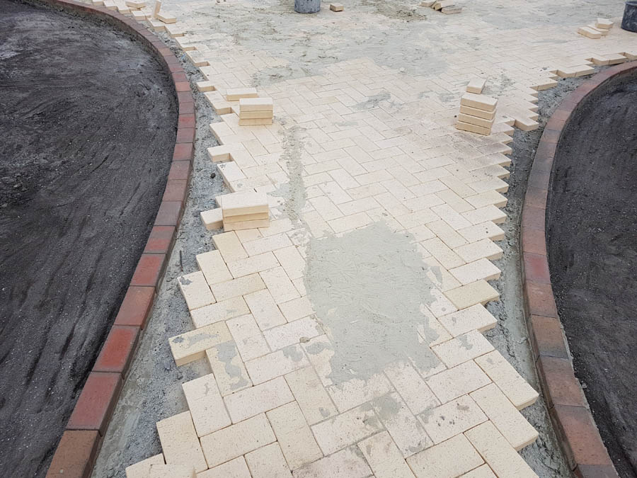 Укладка тротуарной плитки фото 5