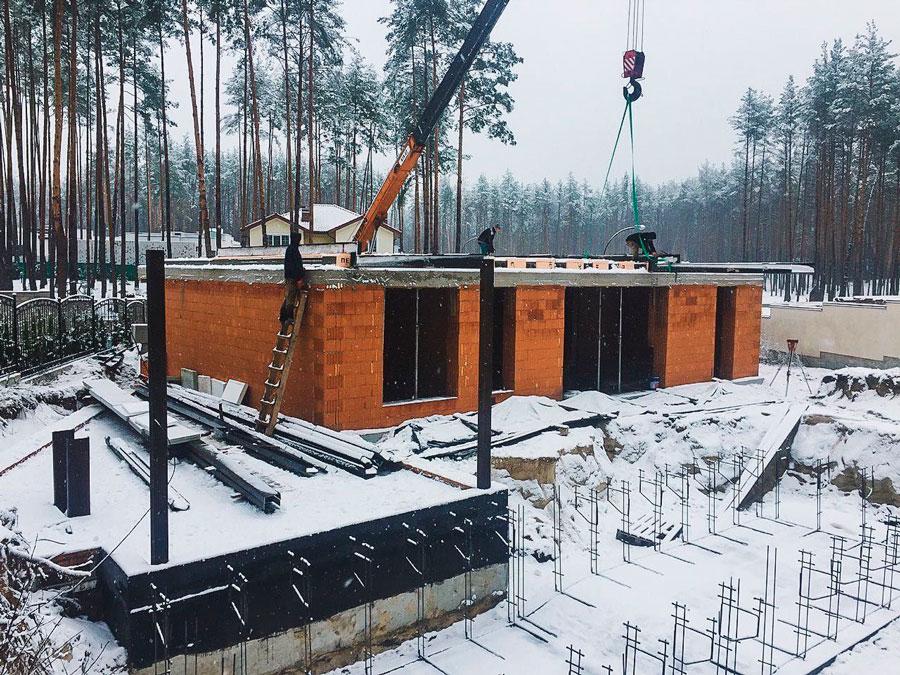 Строительство домов зимой фото