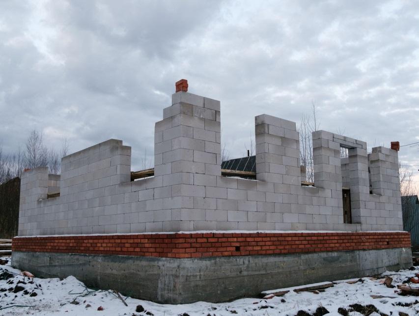 Cтроительства дома из газобетона зимой фото