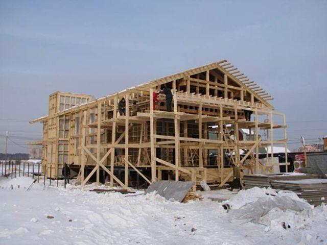 Строительство каркасного дома зимой фото