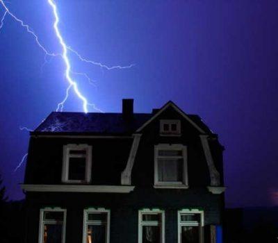 Как защитить дом от молнии?